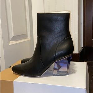 New call it spring black boots